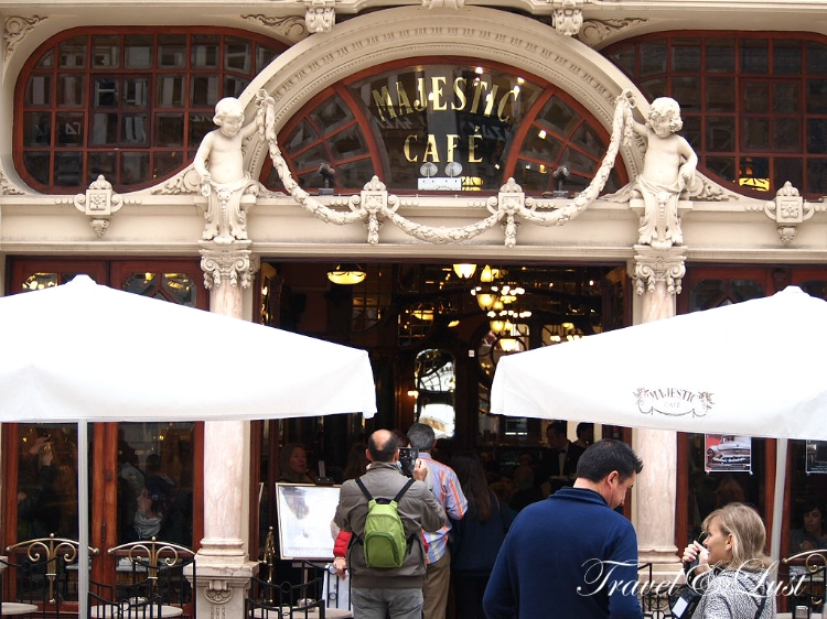 With a wonderful Belle Epoque atmosphere in its main room and attractive winter garden, Café Majestic is a beautiful setting for cultural events. Being one of the most stunning of all cafés in the world, this is more than just a tourist attraction.