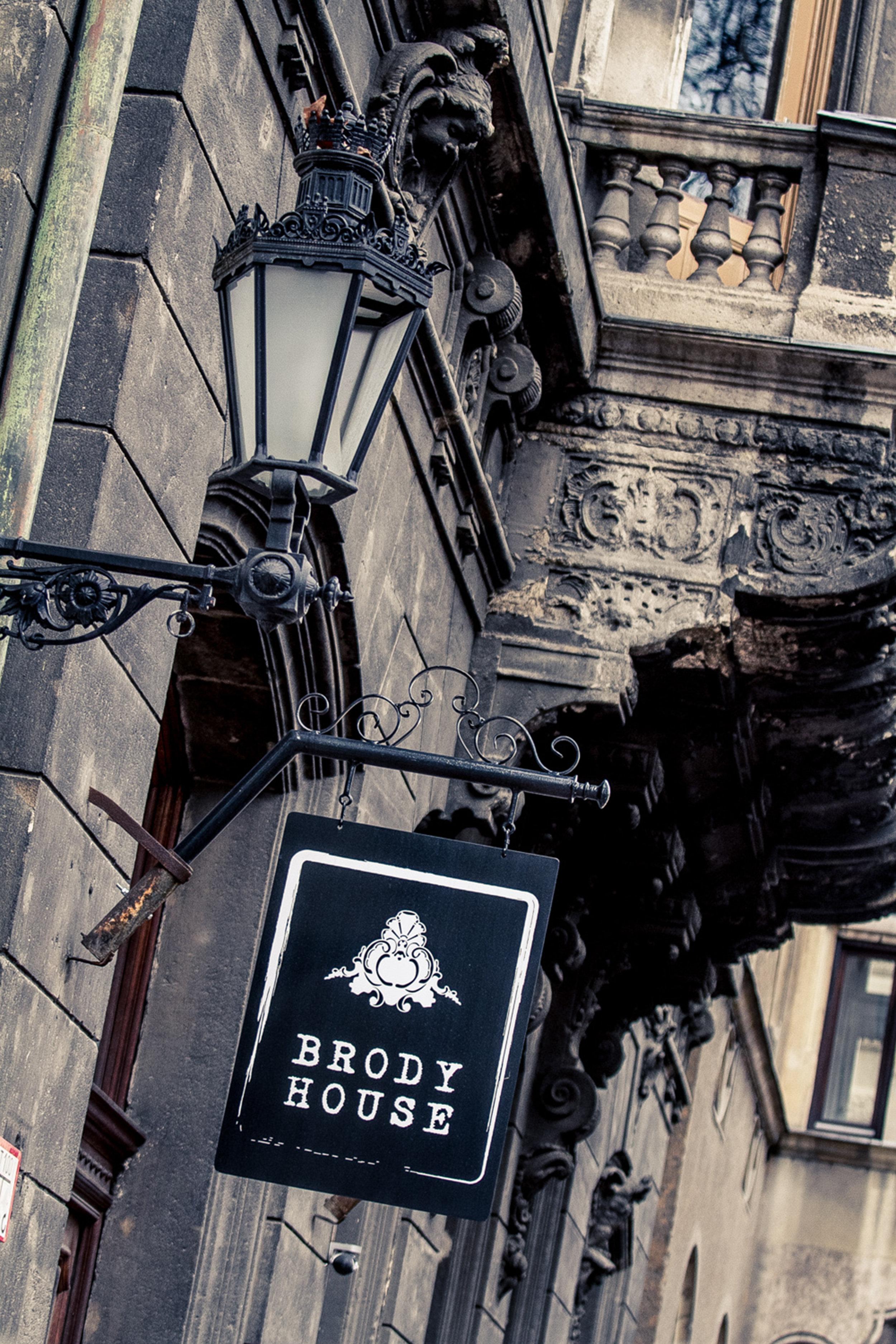Brody House - photo by Laszlo Balkanyi 300dpi (1).jpg