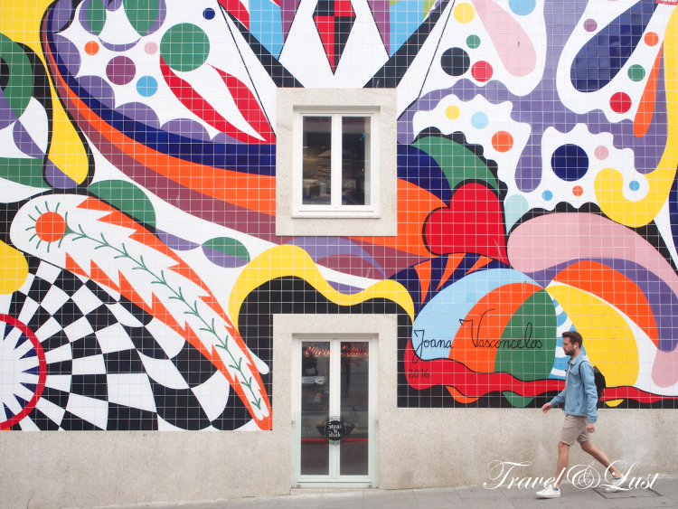 Keep your eyes peeled for street art. This one is courtesy of Portuguese artist Joana Vasconcelos from the Steak and Shake building on Praça de Guilherme Gomes Fernandes nº67. It consists of 8,000 hand-painted tiles!