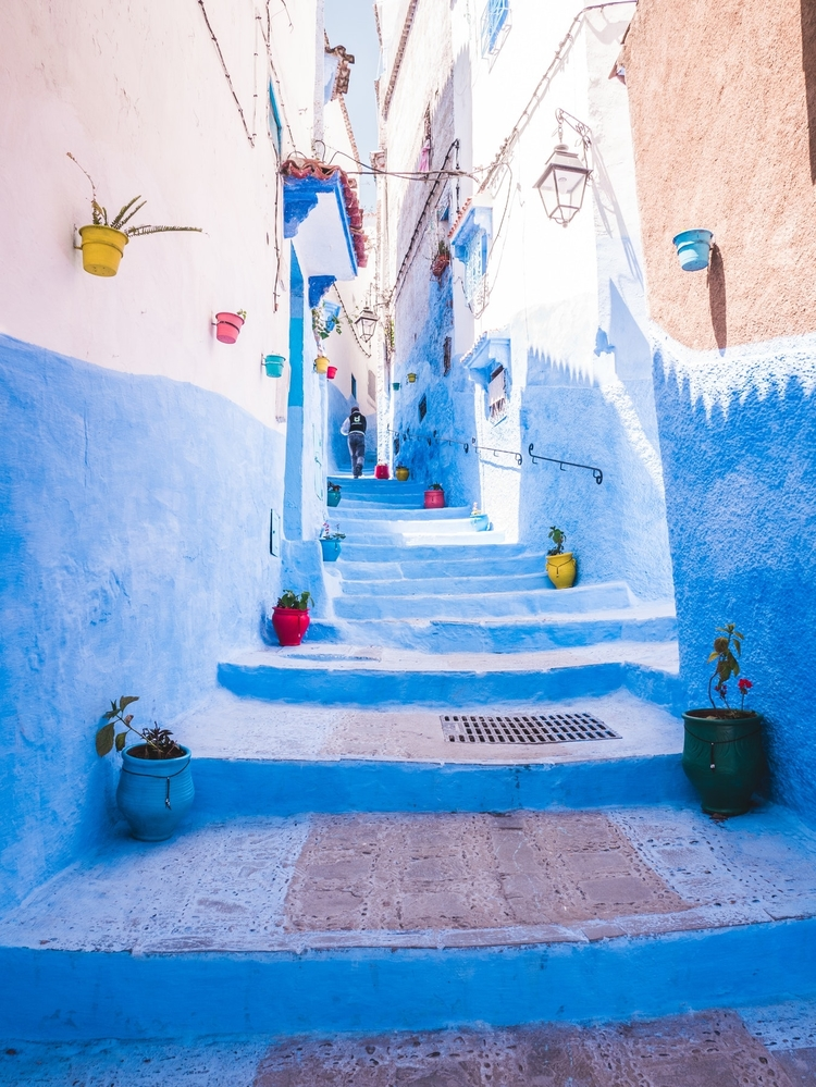 One of the most easily recognized cities in Morocco is Chefchaouen. Known for its winding blue streets, Chefchaouen is a myriad of colour with endless streets to wander.