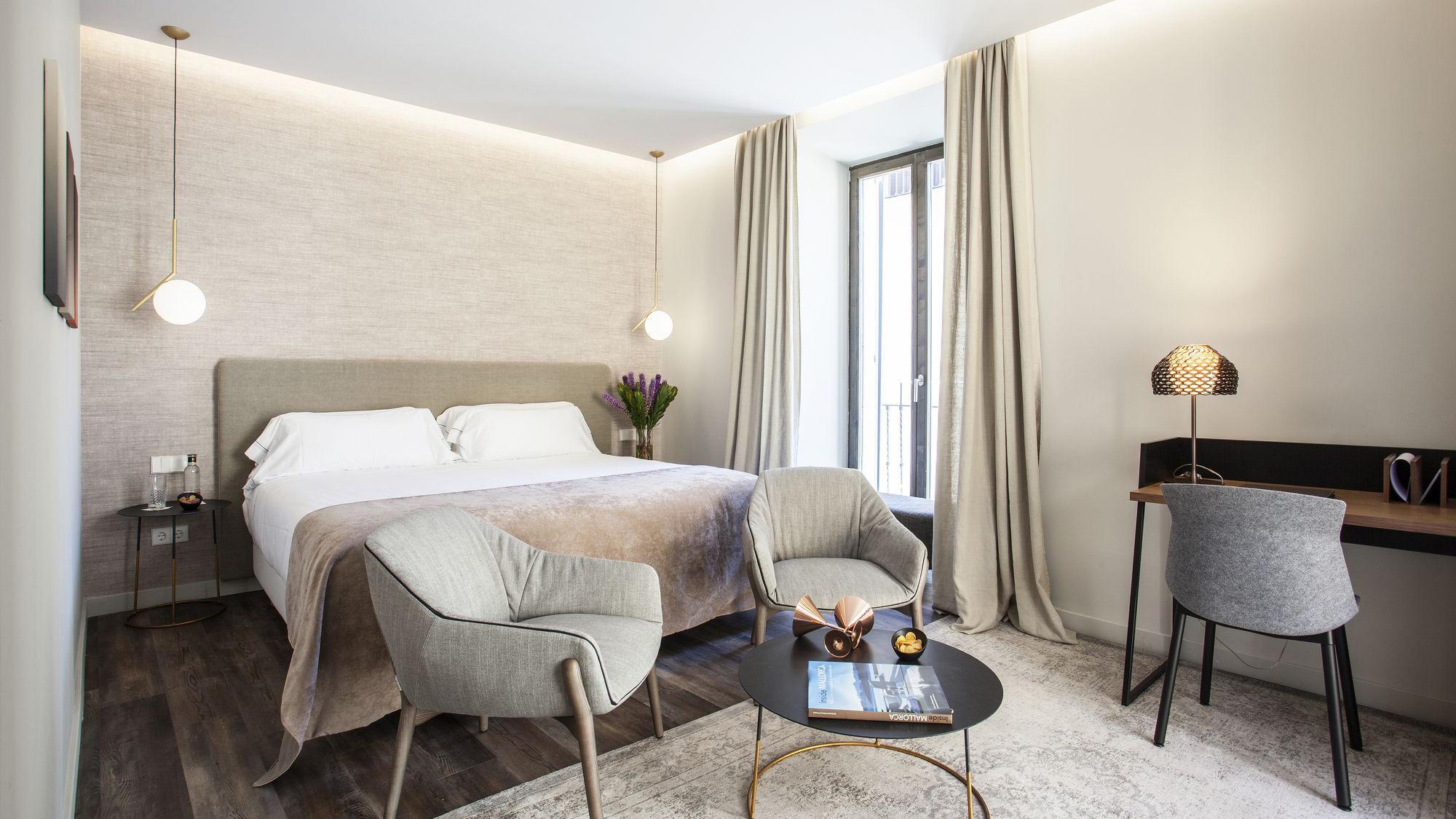 boutique-hotel-sant-jaume-palma-de-mallorca-deluxe-room.jpg