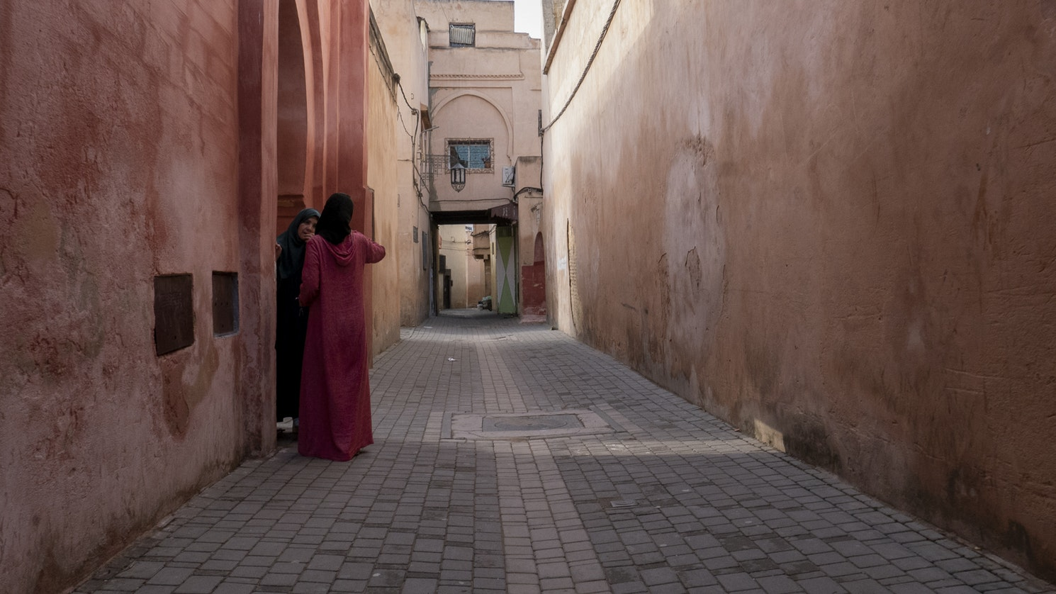 Stroll through the backstreets of Meknes and cherish the abundance of pastel colour palettes.