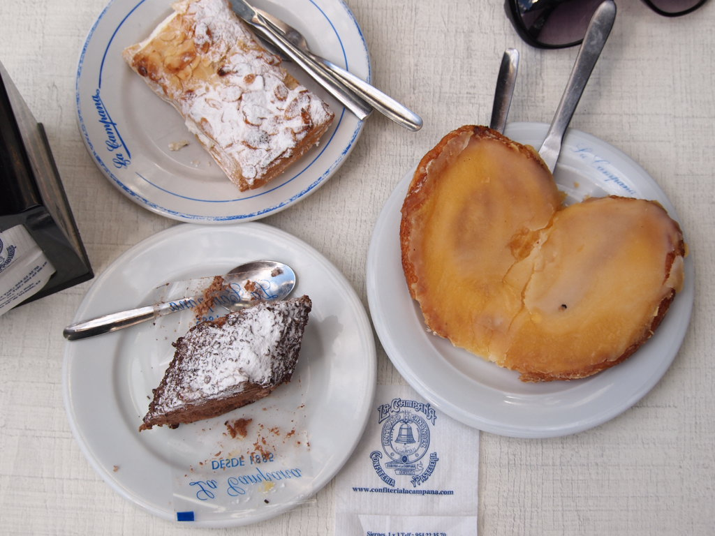 We ended our food tour with sweets from the sweet shop Confitería La Campana on Calle Sierpes nº1 - 3.
