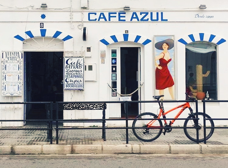 The ever-popular Cafe Azul in the centre.