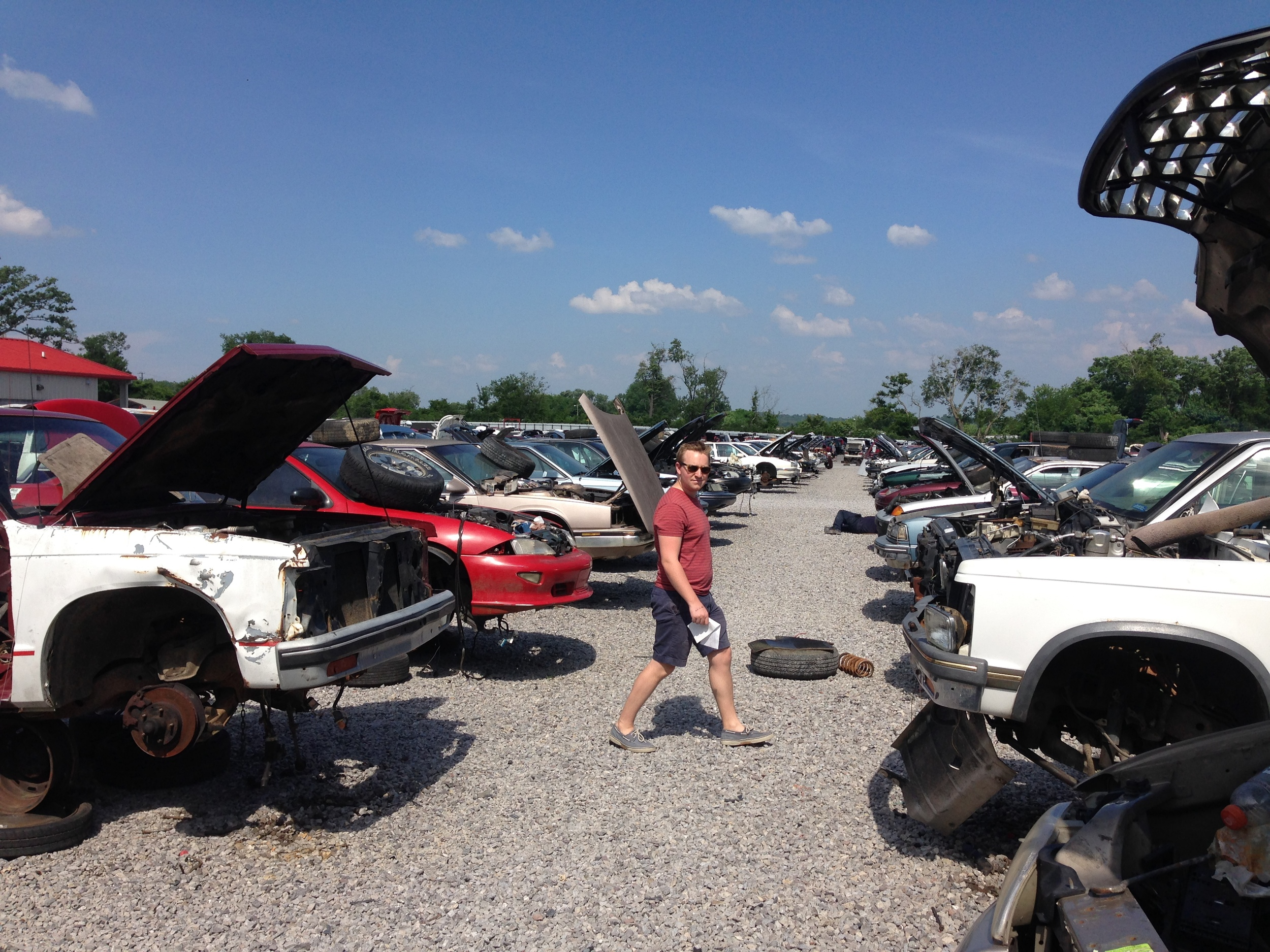 Ben searches through a sea of junkers to find the perfect car radio.