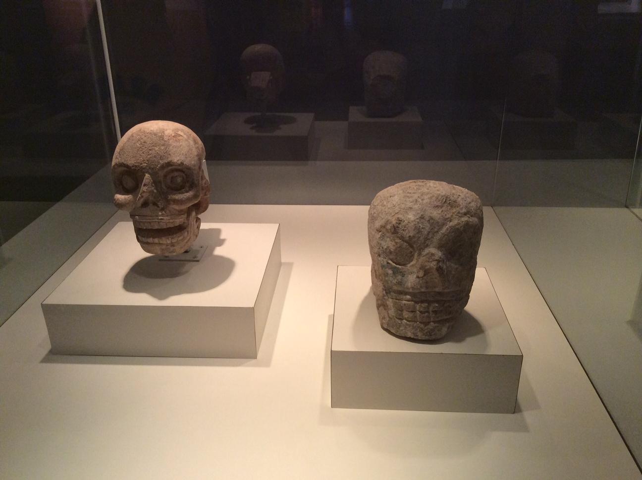 MAYAS, Elemento Arquitetônico, Pedra calcária, procedência desconhecida, 900 – 1250 d.C., Museu Regional de Antropologia, Palácio Cantón, Mérica, Iucatã, México