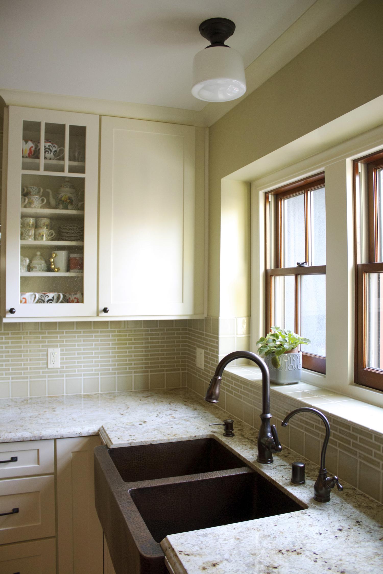 Kitchen sink-windowsmall.jpg