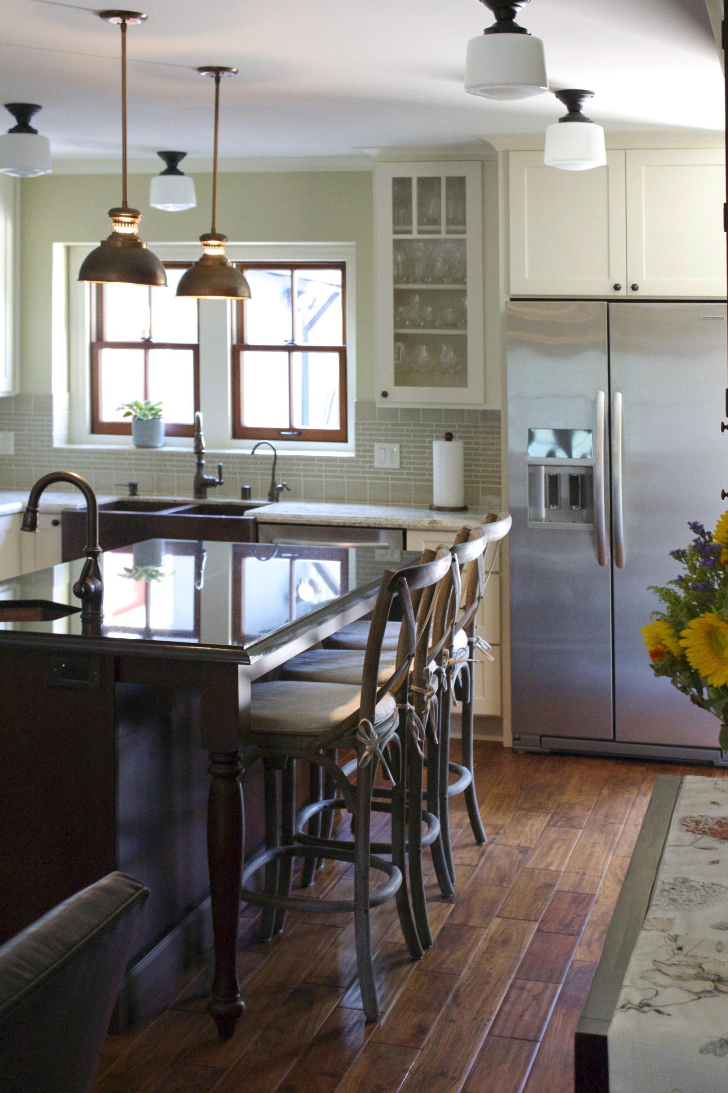 kitchen1small.jpg
