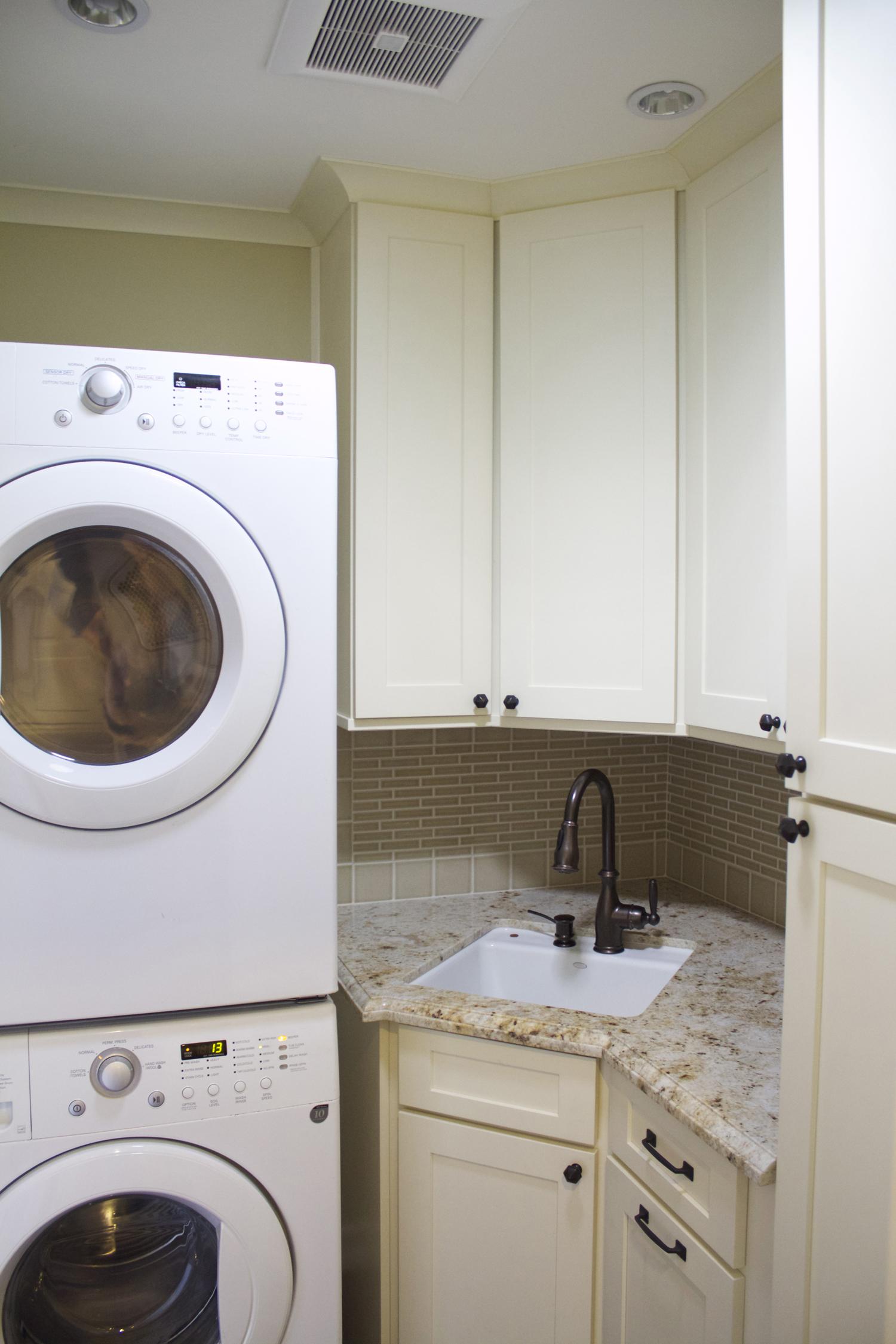 laundry roomsmall.jpg
