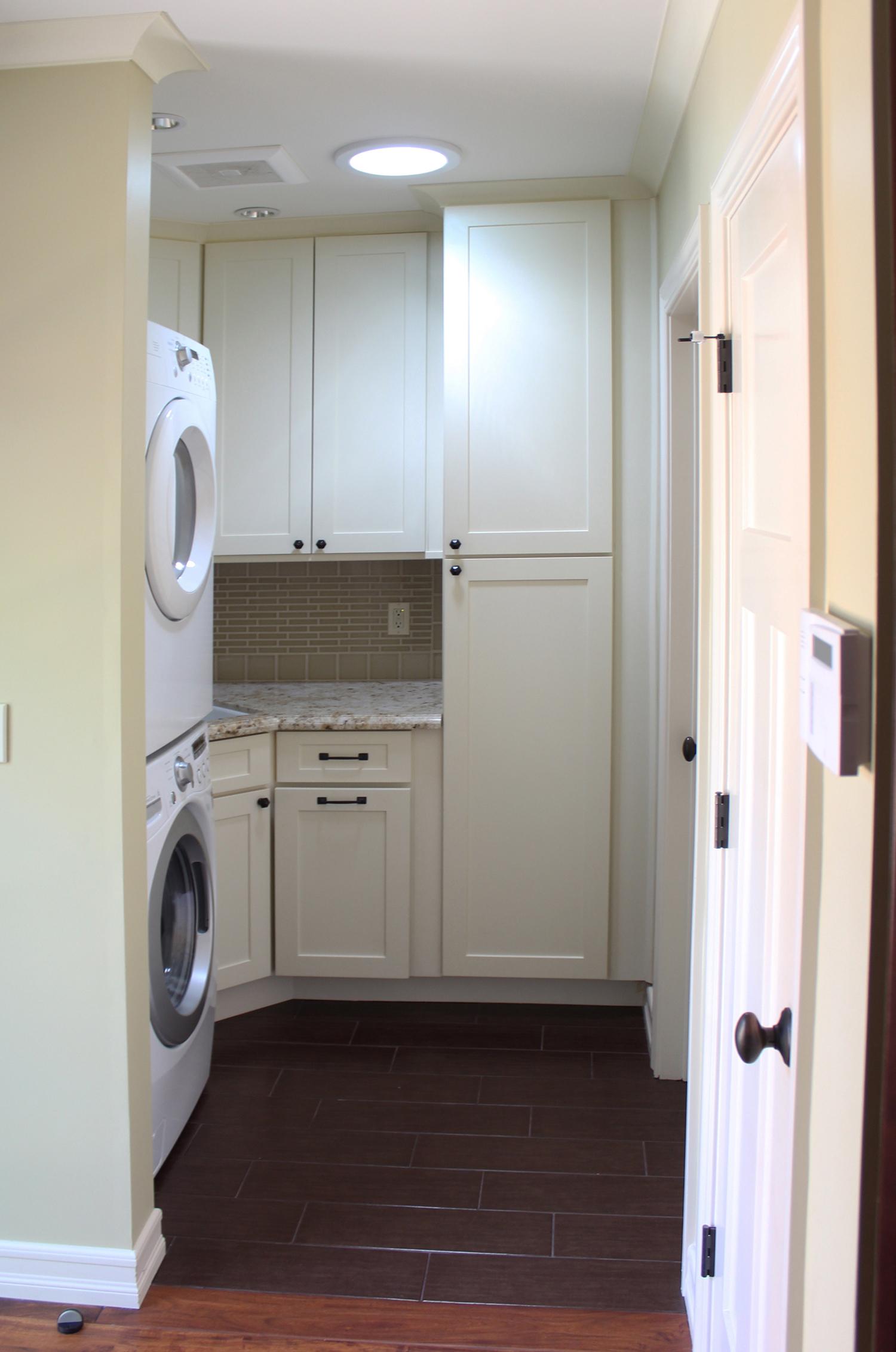 laundry roomsmall1.jpg
