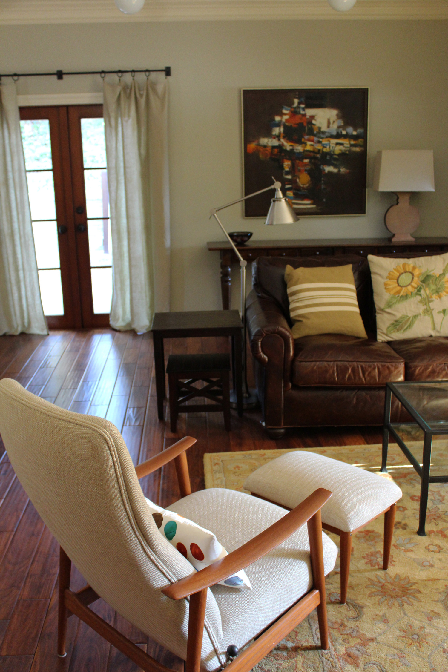 living room detailsmall.jpg