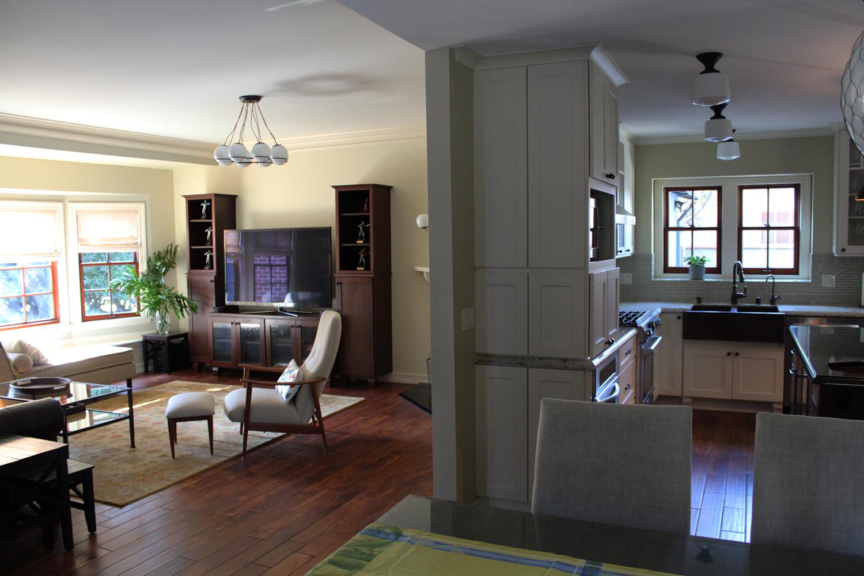 livng-kitchensmall.jpg