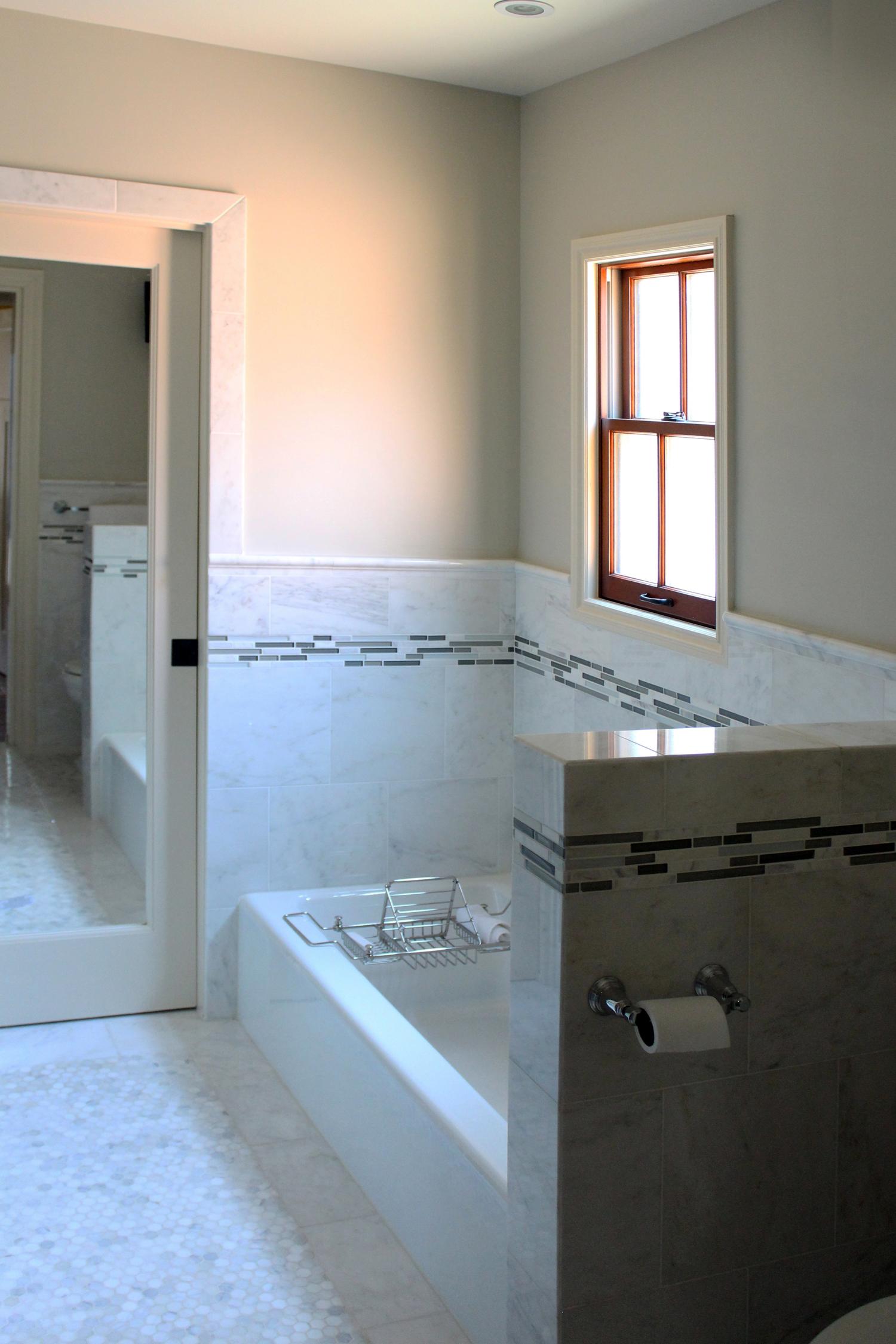 master bath tub small.jpg