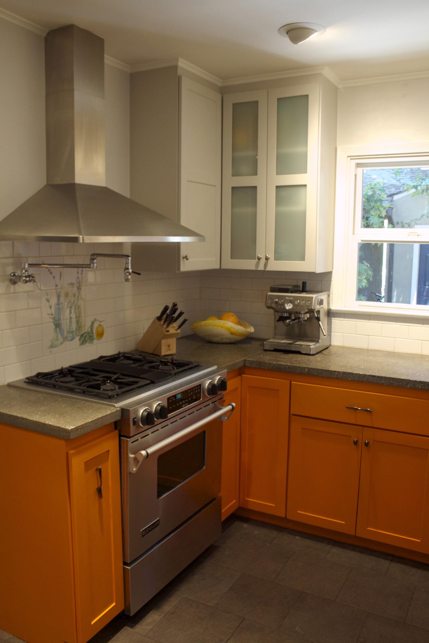 burbank kitchen2small.jpg