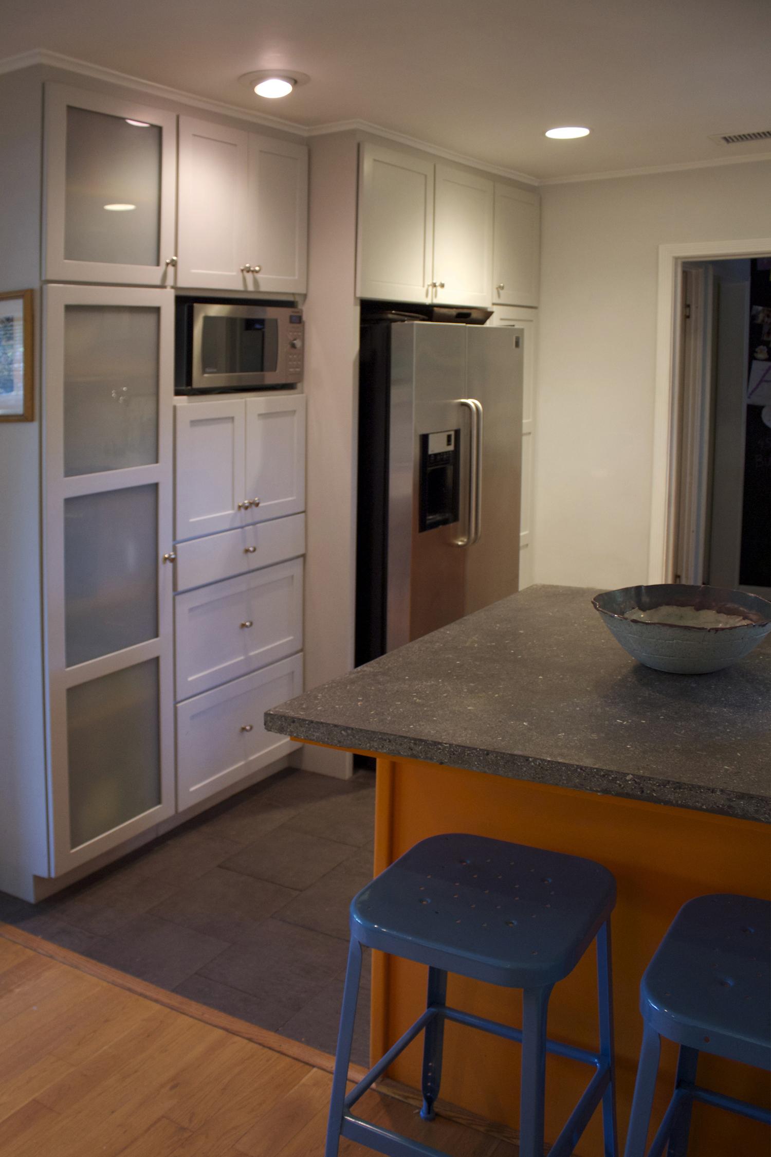 burbank kitchen4small.jpg