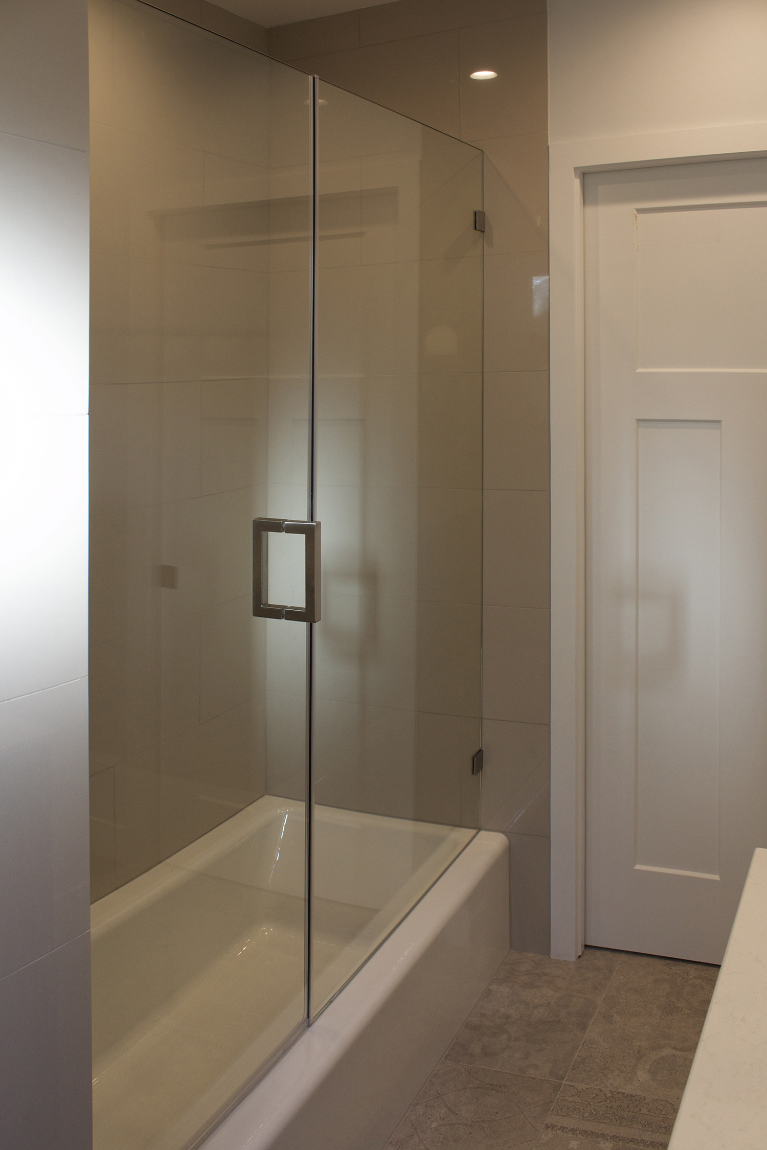 girls bath shower 1.jpg
