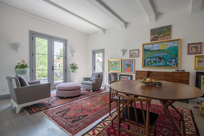 livingroomfront.jpg