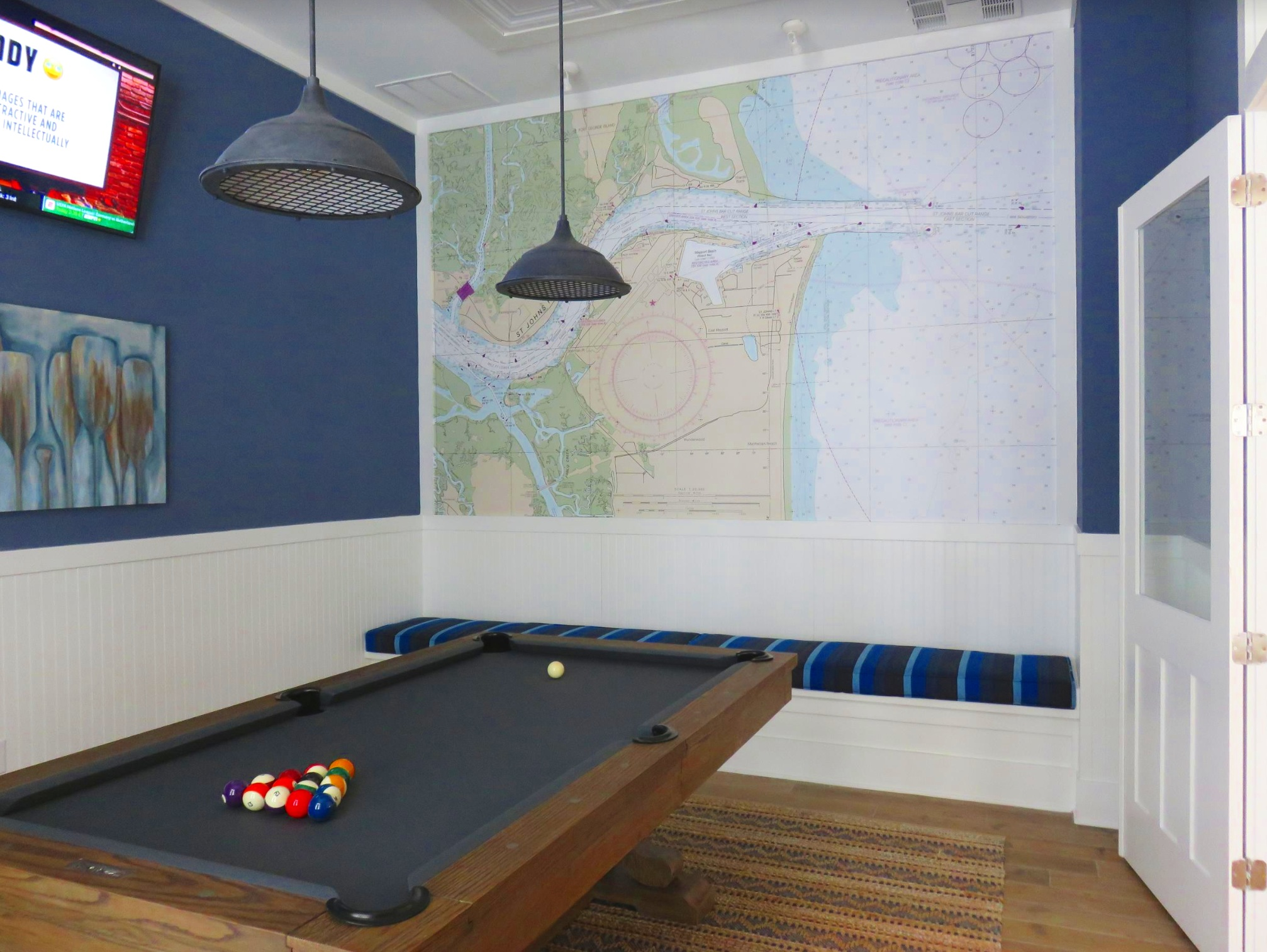 This clubhouse room was a project by interior designer Lori Avampato iof Group 4 Design, Inc. (    www.g4designinc.com    ) who worked with us to capture the key features of the St. Johns River.