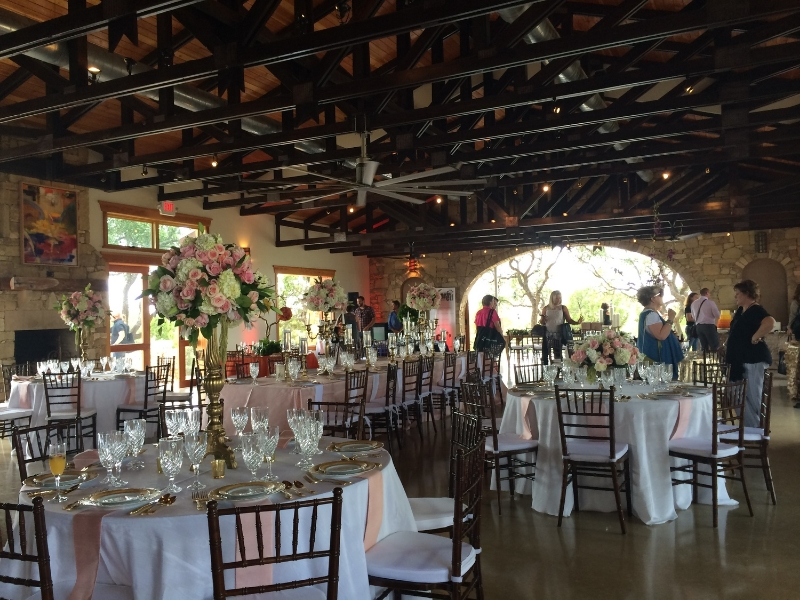 Beautifully decorated reception room. Loved the open air feeling.