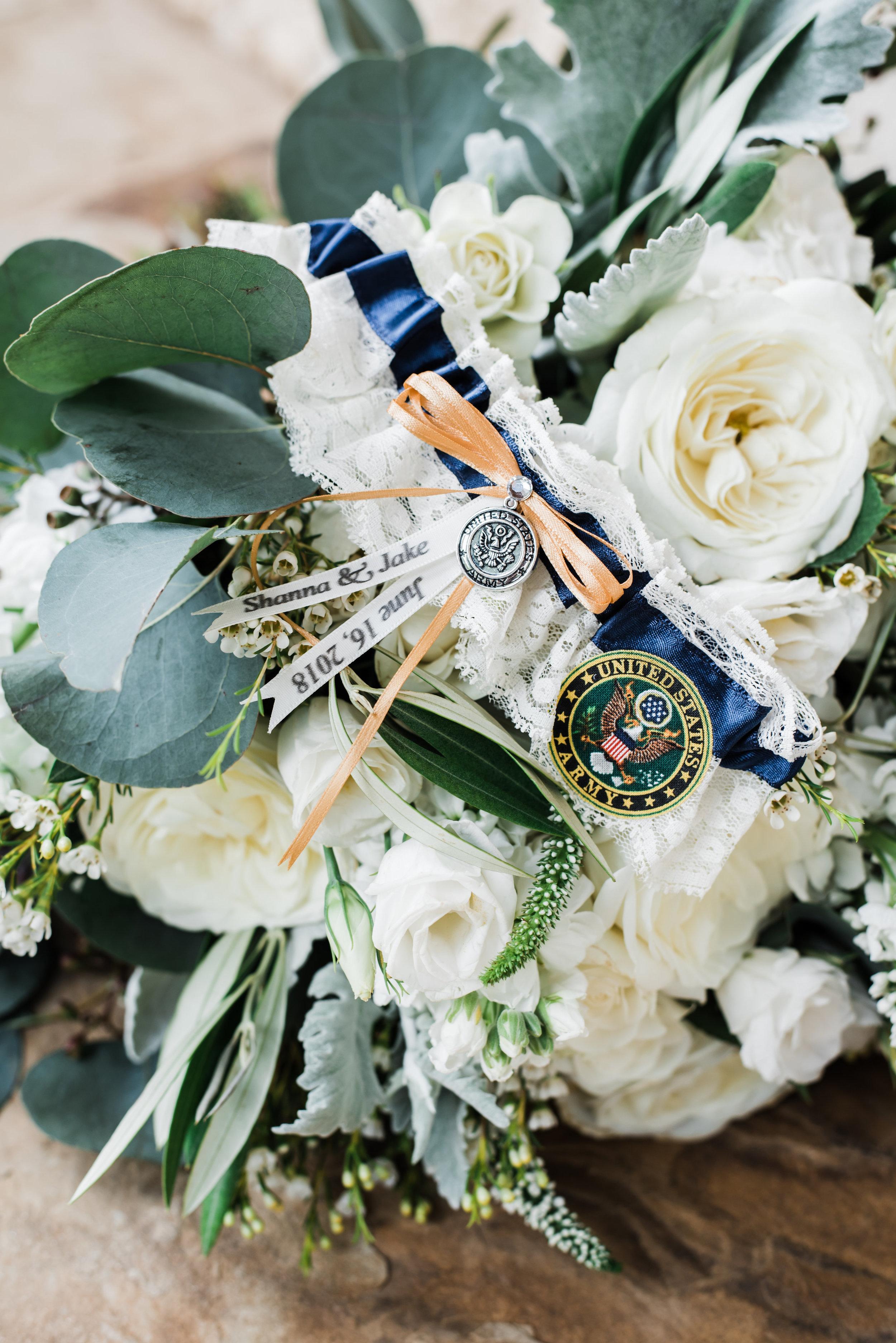 Mr Mrs Hetterley-Bridal Details-0011.jpg