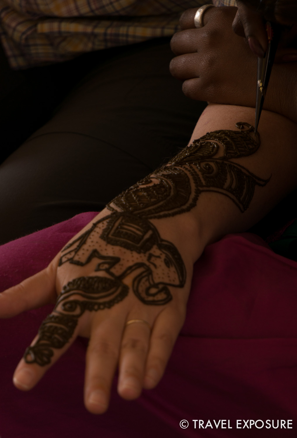 Beth gets Henna in Tordi Sagar