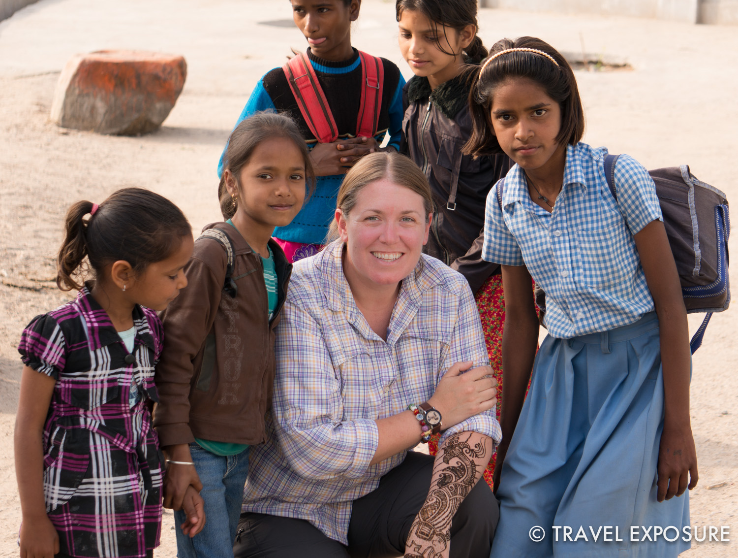 Beth with the local kids in Tordi Sagar village