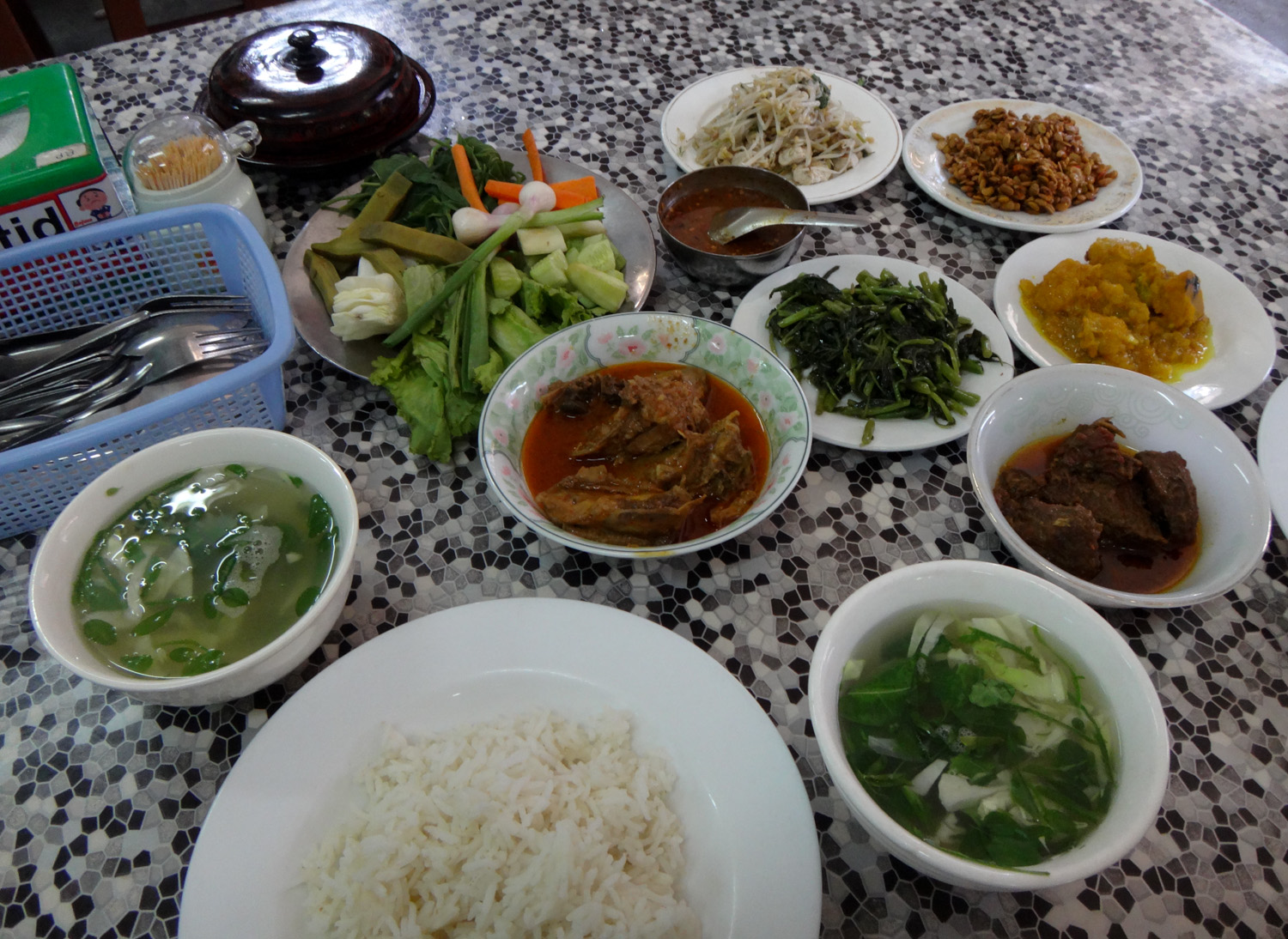 Burmese food at Aung Thukha