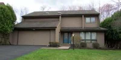 Contemporary close to Binghamton University. Light and bright spaces throughout.