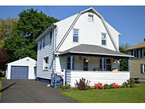 A nicely maintained 3 bedroom home on a cul-de-sac.