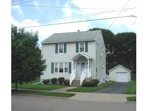 A perfectly-maintained 2-story on a cul-de-sac close to Riverside Drive.