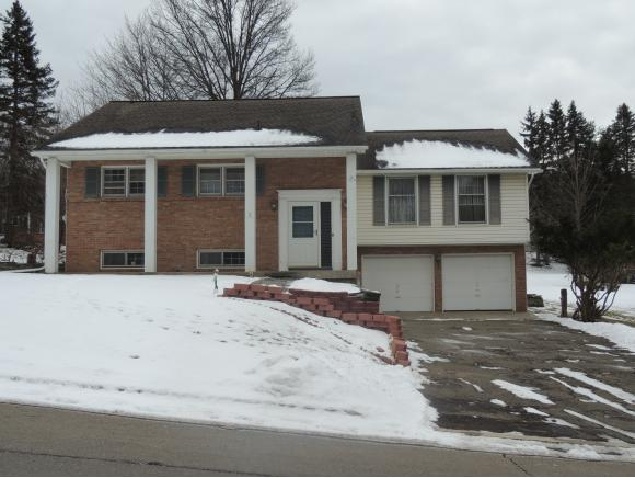 A very spacious and well-maintained home on a corner lot close to Binghamton University.