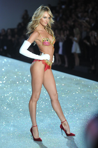 2013+Victoria+Secret+Fashion+Show+Show+2b6HXGtArE-l.jpg