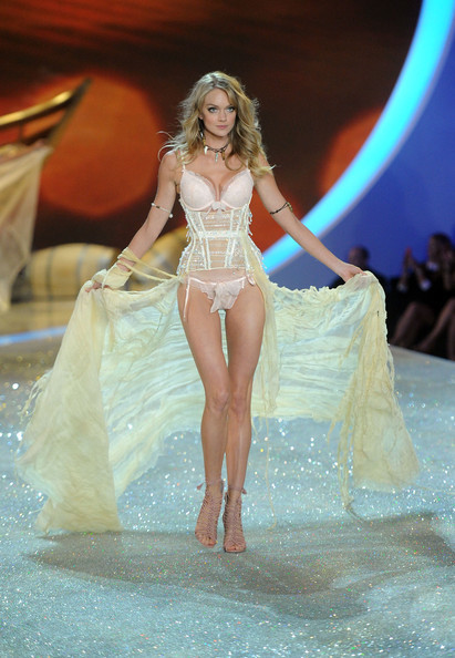 2013+Victoria+Secret+Fashion+Show+Show+MdphFG-BpH6l.jpg