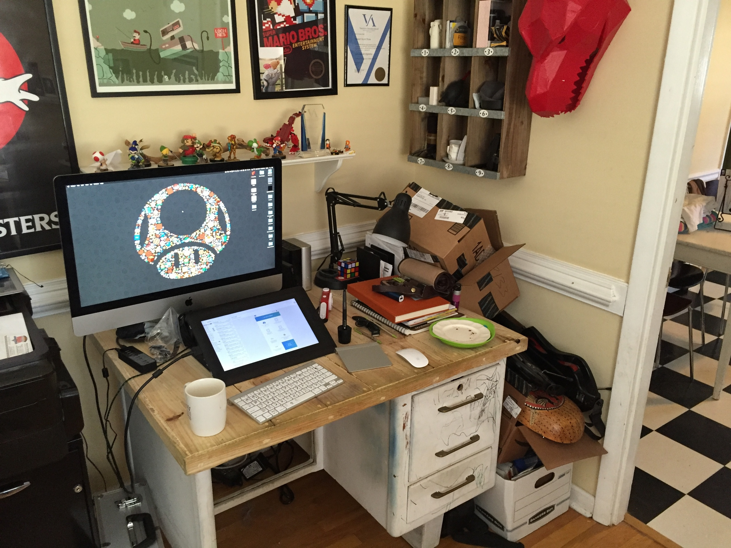 Yes my desk is messy. Yes I am aware of the plates. Yes I know that's gross.