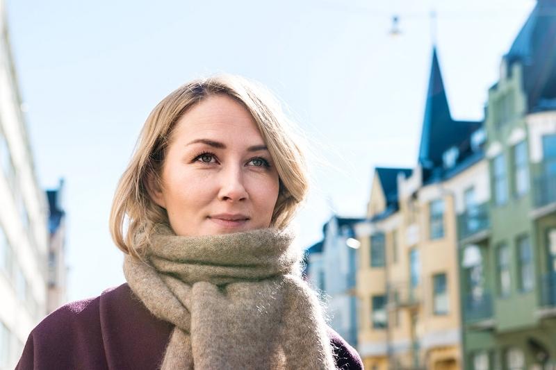 """""""Jokainen koru on pieni teko hyvän asian puolesta ja yksi lenkki pitkässä ketjussa, jolla on jo suurempi merkitys Itämeren tulevaisuudelle. Annetaan hyvän kiertää, sillä kaunis meremme saaristoineen kuuluu myös tuleville sukupolville"""", sanoo Guardian of the Baltic Sean suunnittelija Linda Lehto."""