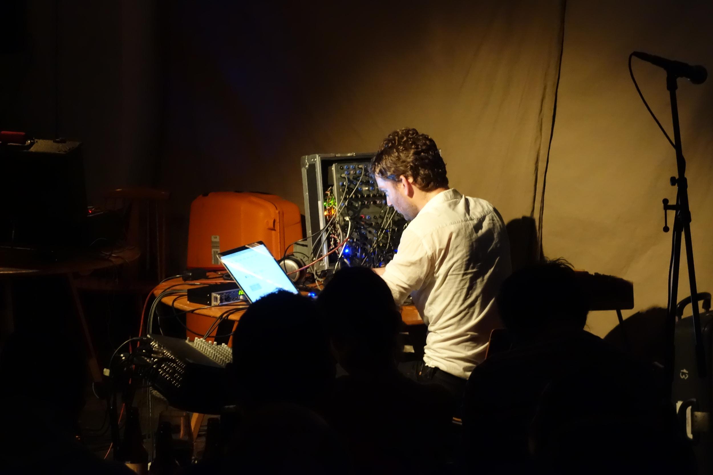 Thomas played a quad set on his Serge & a Max-MSP-based control setup - absolutely stellar.