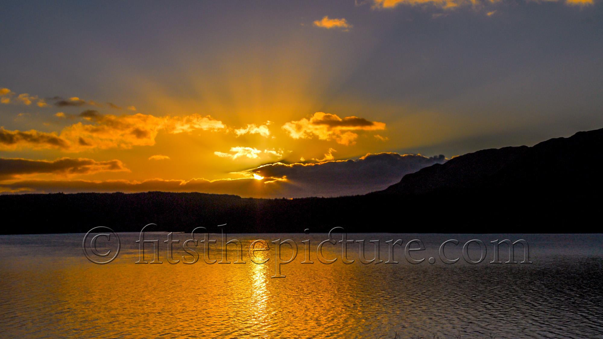 Clatteringshaws Loch sunset
