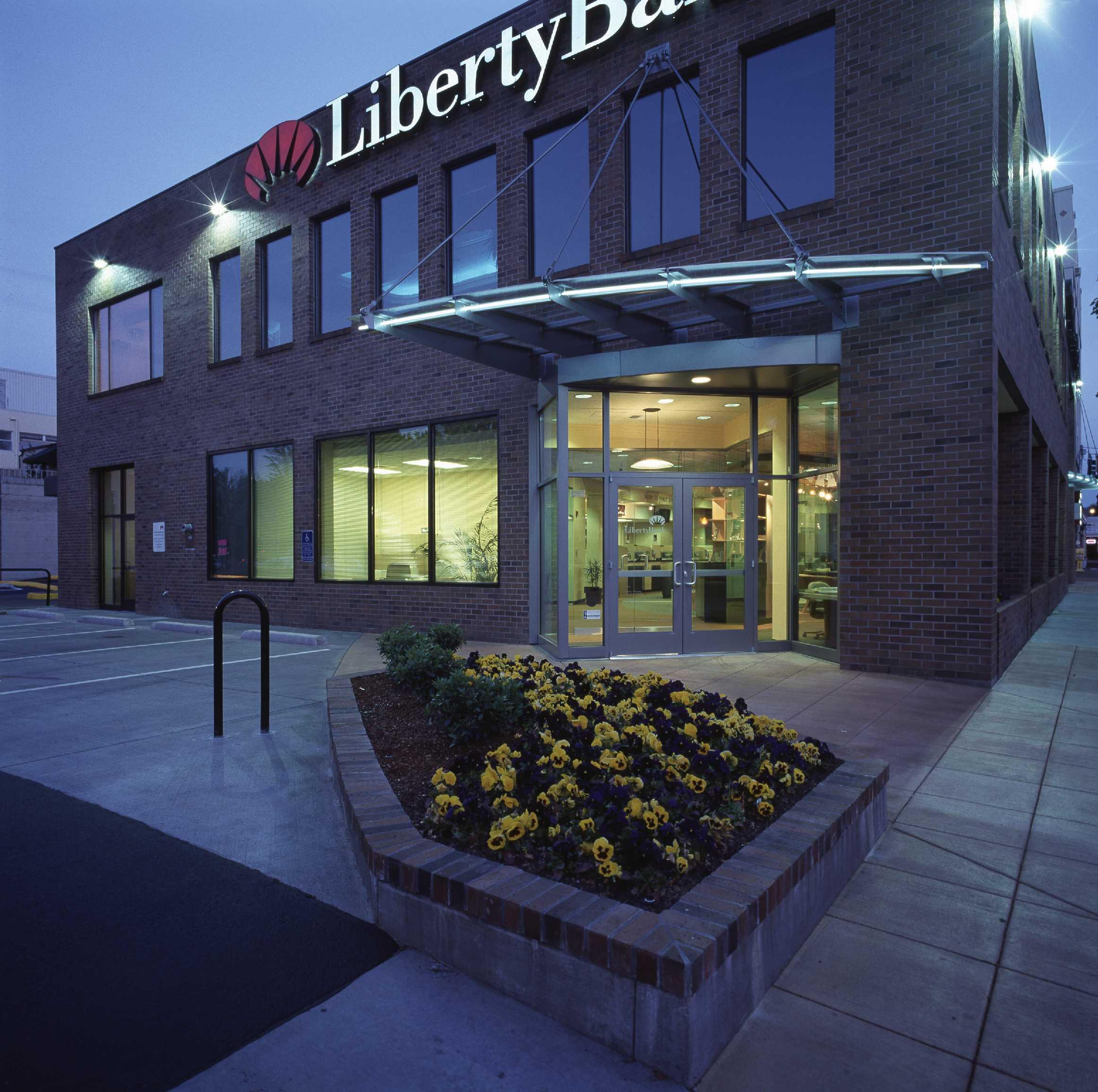 Liberty Bank with Oslund Design - Eugene, Oregon