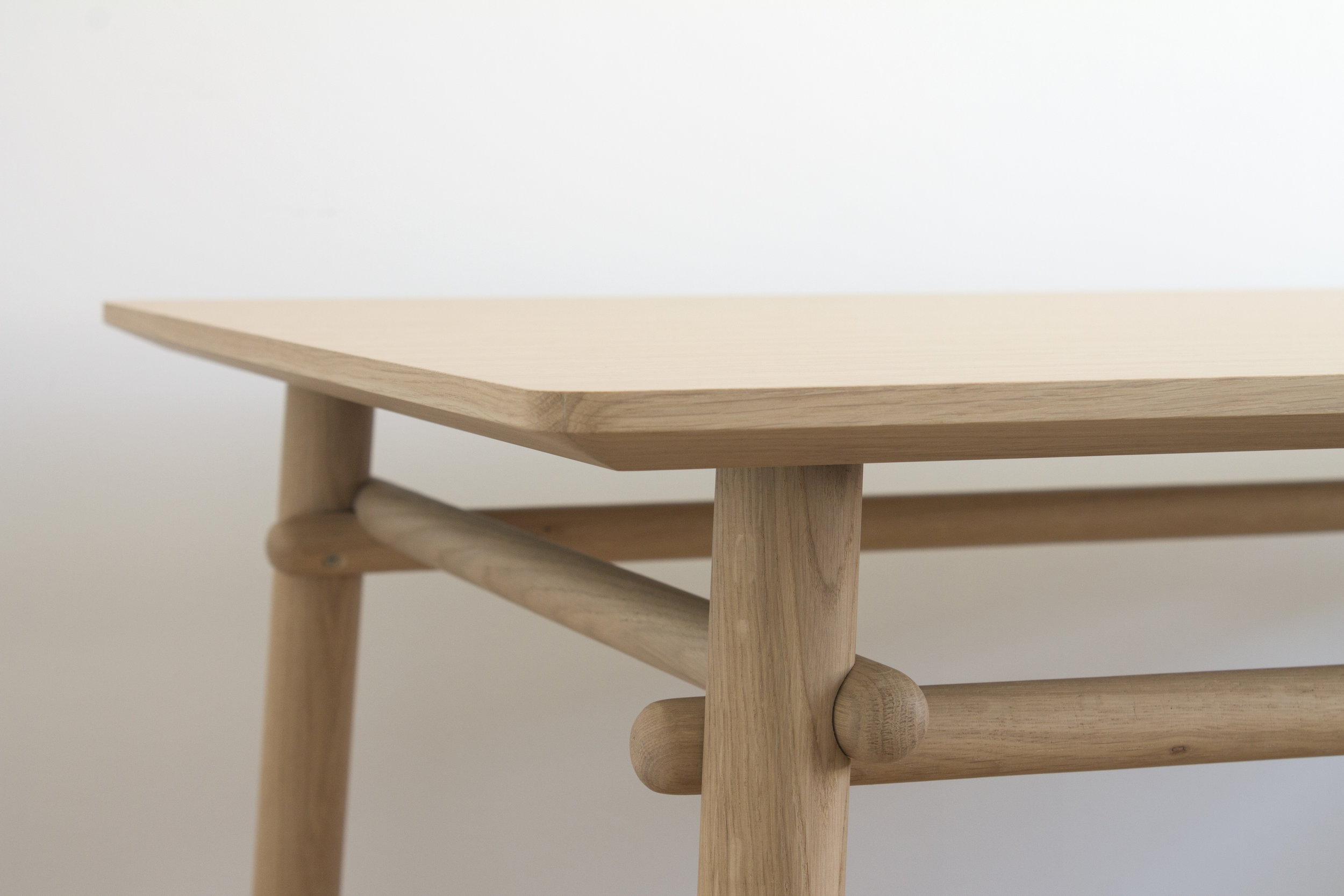 Basoa table-silvia ceñal-treku-01