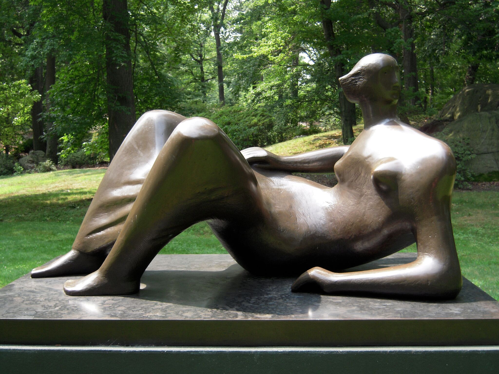 Henry Moore,  Reclining Figure: Angles,  1979, Bronze