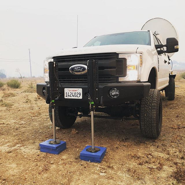 These Big Foot Leveling jacks make our #wildfire deployments efficient, fast, and safe! Mounted to a @buckstoptruckware bumper! Thanks to @swat_customs for the suspension and tire upgrades!