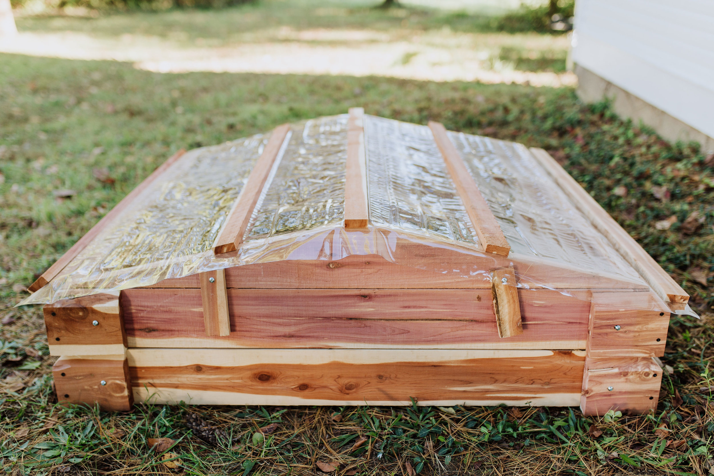 Raised Garden Bed made of rot-resistant cedar including Cold Frame Curtain