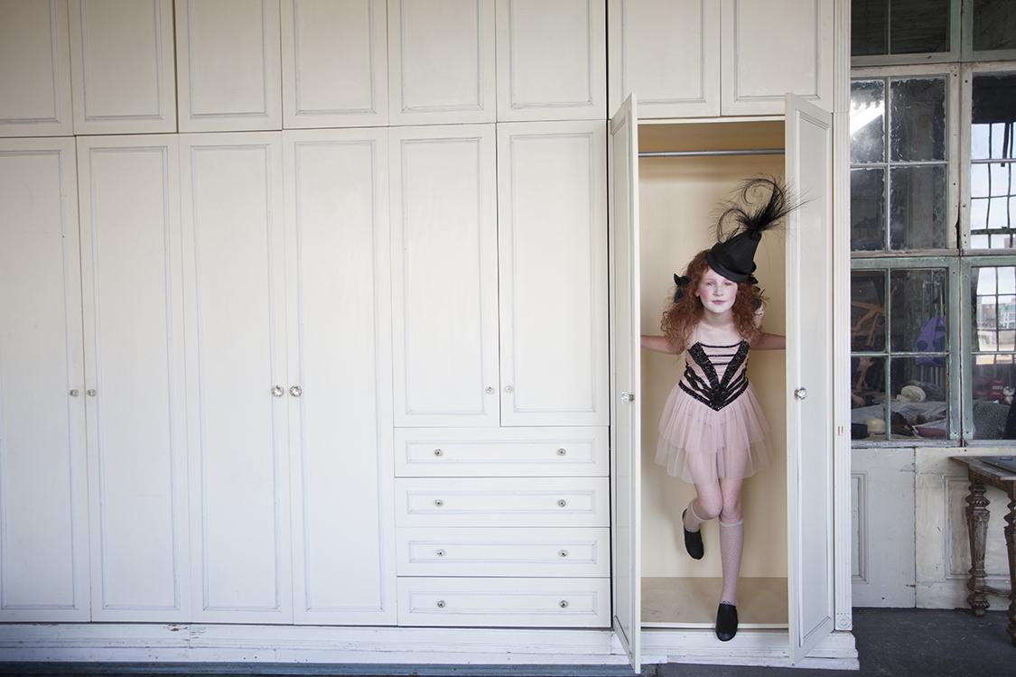 Photo:  Lee Clower  / Styling:  Michel Onofrio  /   Beauty:  Yuko Mizuno  /Writer: Taylor Kate