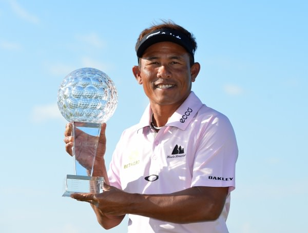 Thongchai Jaidee with the Nordea Masters Trophy. Picture © Getty Images