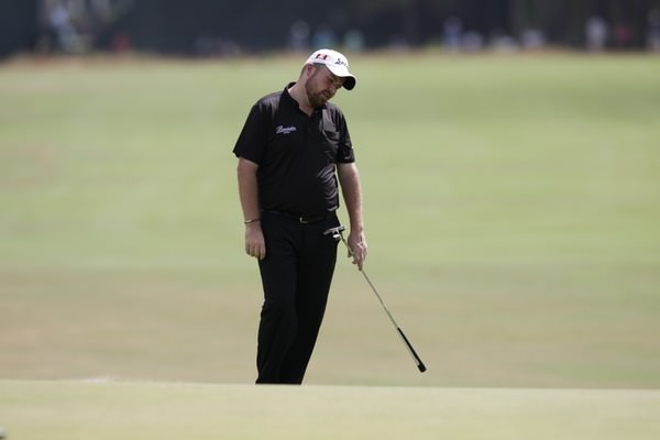 Shane Lowry (IRL) misses his putt on the 2nd green during Thursday's Round 1 of the 2014 US Open Championship held at Pinehurst No.2 Course, Pinehurst, North Carolina, USA. 12th June 2014.Picture: Eoin Clarke  www.golffile.ie