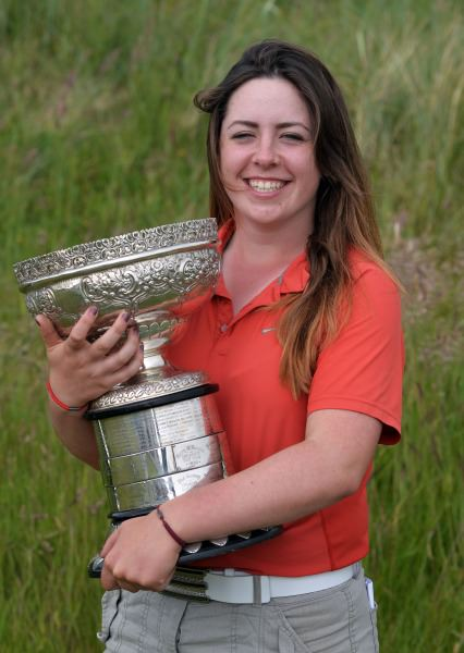 Winner Mary Doyle (The Heath) with the 2014 Irish Ladies Close Championship trophy at Enniscrone Golf Club. Picture by Pat Cashman  cashmanphotography.ie