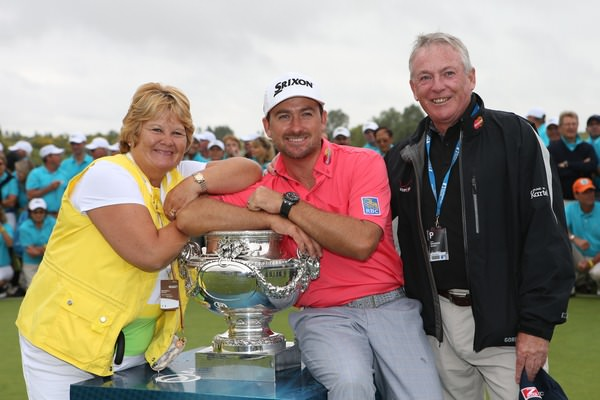 Graeme McDowell is flanked by his proud parents, Marian and Kenny, following his successful defence of the Alstom Open de France.Picture: David Lloyd /  www.golffile.ie