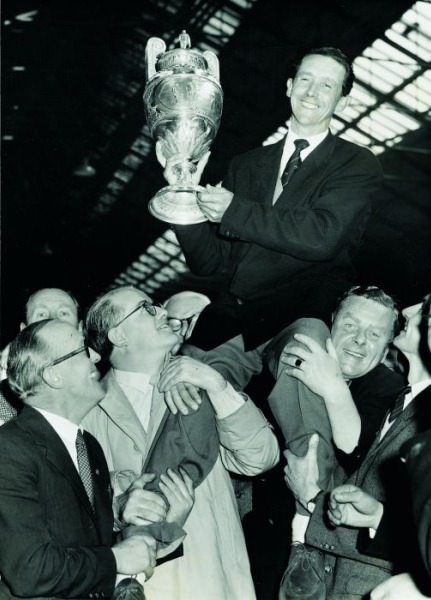 A hero's welcome. JB Carr with the British Amateur Championship trophy. Picture via  Carrgolf.com