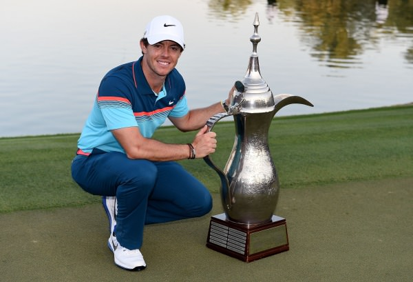 Rory McIlroy with his second dallah. Picture © Getty Images