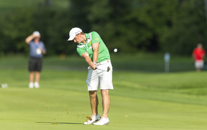 Paul Dunne plays his second shot on the 16th hole during the quarterfinal round of match play of the 2015 U.S. Amateur at Olympia Fields Country Club in Olympia Fields, Ill. on Friday, Aug. 21, 2015. (Copyright USGA/John Mummert